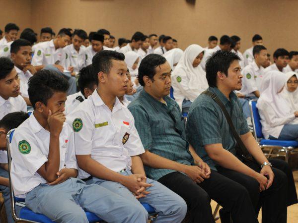 Outing Class UDINUS Semarang