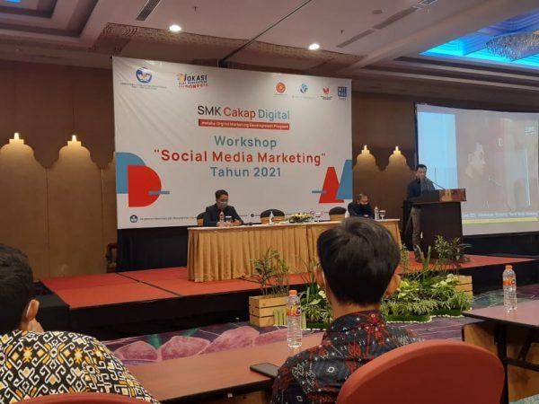 Workshop Social Media Marketing Sekolah Pusat Keunggulan